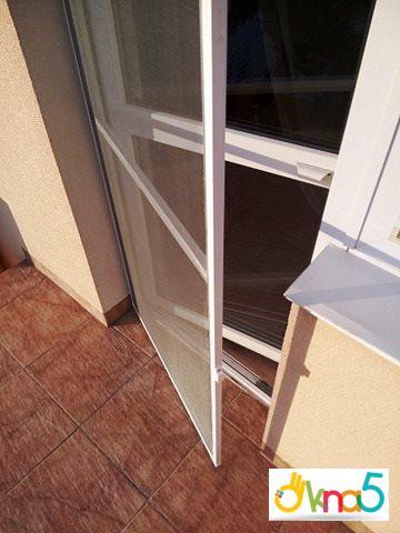 """Дверні москітні сітки від компанії """"Окна 5"""""""