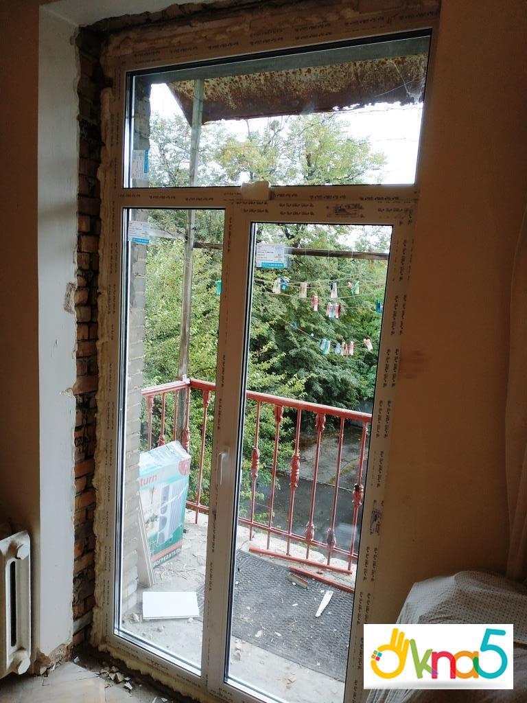 Пластикові двері балконні - компанія ОКна 5