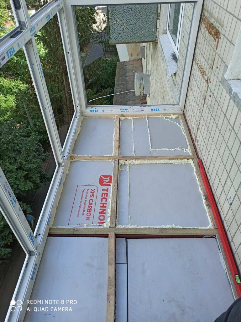 підлога на балконі і лоджії фото Окна 5